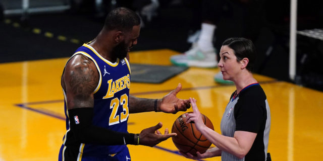 Lakers could receive $100 million luxury tax bill next season