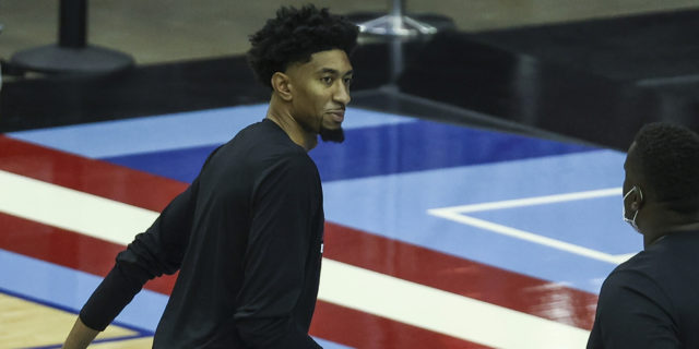 Christian Wood resumes basketball activities, unlikely to play vs. Kings