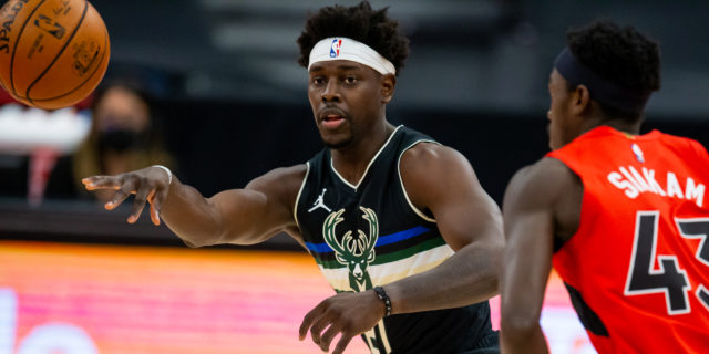 Jrue Holiday says signing extension with Bucks was 'easy decision'