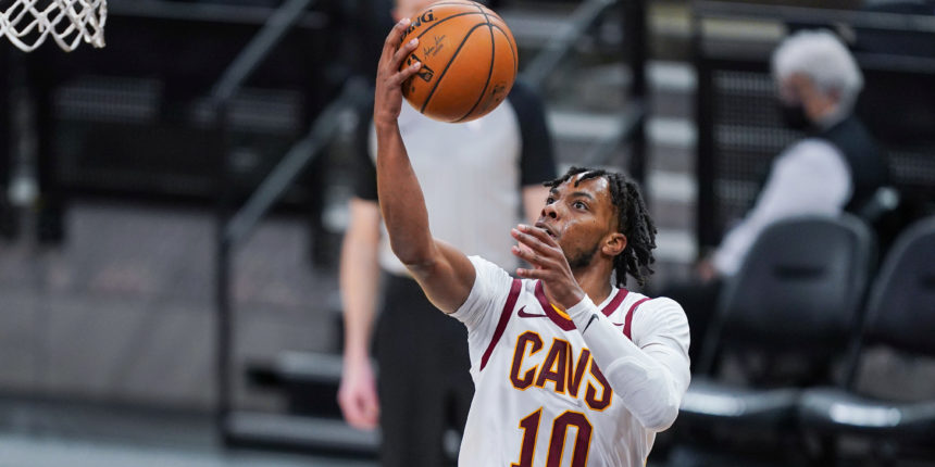 Darius Garland puts up career-high 37 points, Cavs blow out Spurs