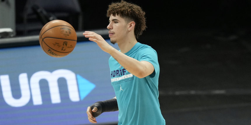 LaMelo Ball (wrist) cleared to resume basketball activities, could return soon