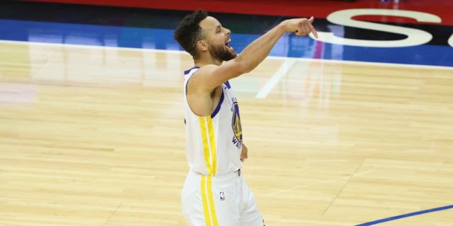 Steph Curry scores 49, makes 10 threes for fourth time in past five games in win