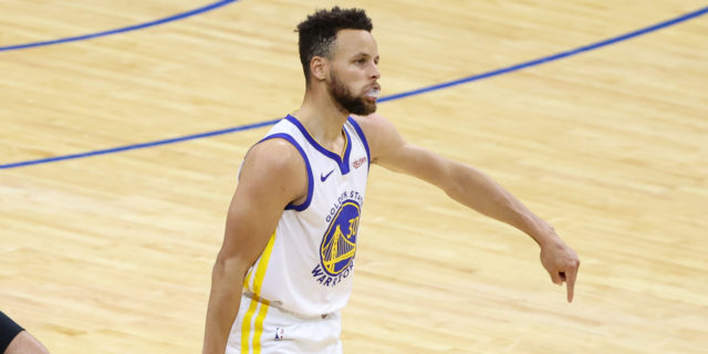 Can Stephen Curry make a late run at the NBA MVP award?