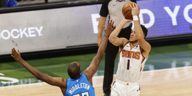 Devin Booker, Chris Paul help Suns edge Bucks 128-127 in OT