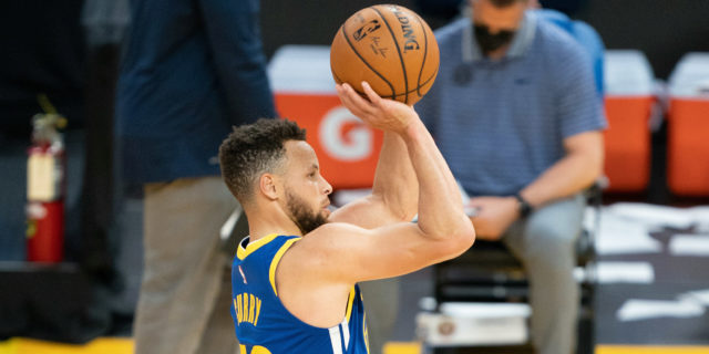 Kerr on Curry: 'Nobody's ever shot like this in the history of the game'