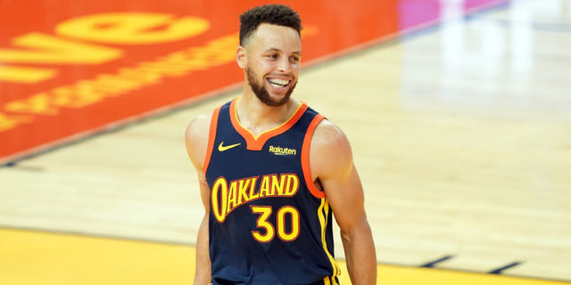 Curry credits conditioning for streak: 'You're going to tire other guys out'