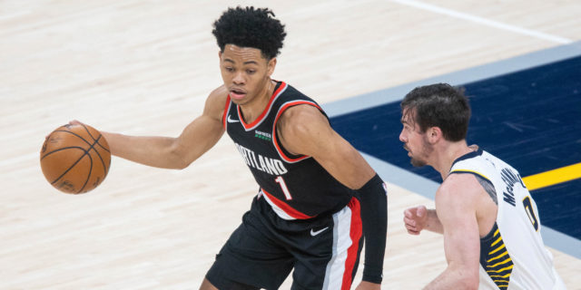 Anfernee Simons ties NBA record with 9 straight threes, Portland ends skid
