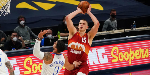 Jokic blocks late shot, Nuggets hold off Pelicans 114-112