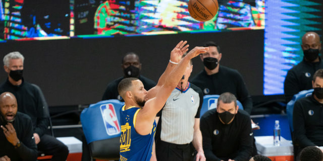 Stephen Curry becomes oldest player to average 35 PPG in a month