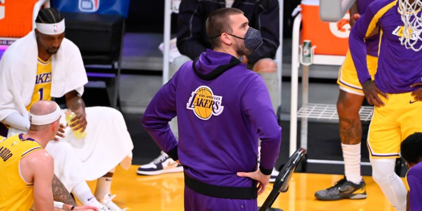 Why aren't the Lakers playing Marc Gasol more?