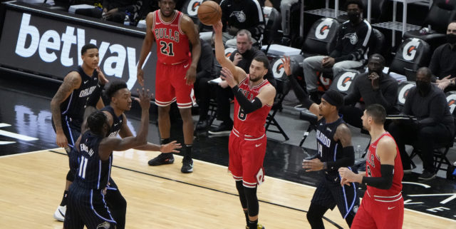 Bulls complete sweep of Hornets in LaVine's return, end four-game skid