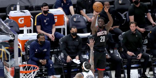 Rockets sign guard Khyri Thomas to multiyear contract