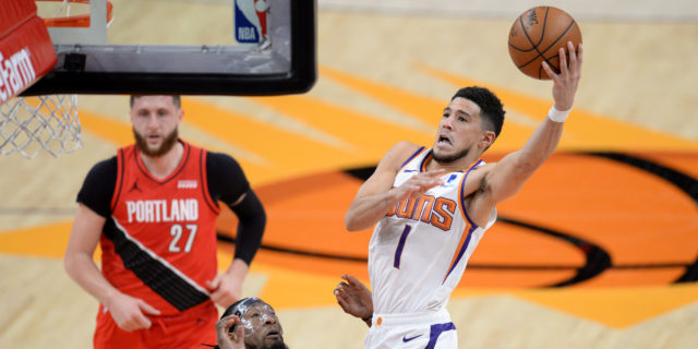 Devin Booker hits late free throws, Suns top Blazers despite Damian Lillard's 41