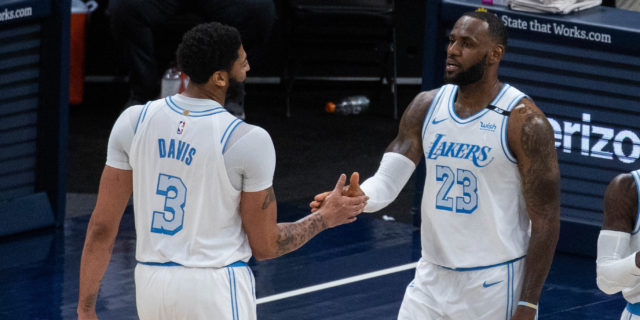 LeBron James returns, Anthony Davis dominates to send Lakers by Pacers
