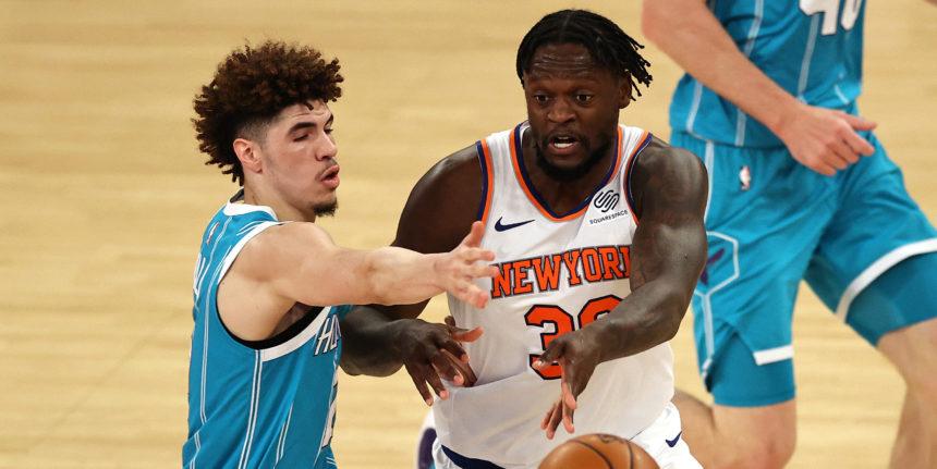 Julius Randle leads Knicks past Hornets in OT, tie Atlanta for 4th