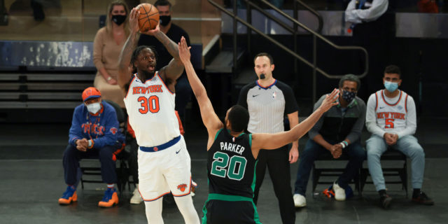 Randle, Knicks beat Celtics to clinch No. 4 seed in East