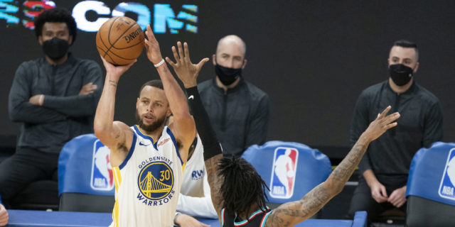 LeBron James thinks Stephen Curry should be this season's MVP