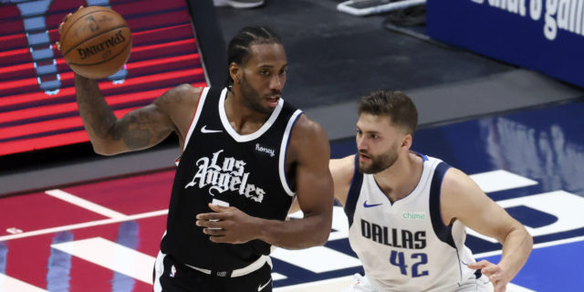 Kawhi Leonard, Paul George carry Clippers past Mavs again to even series