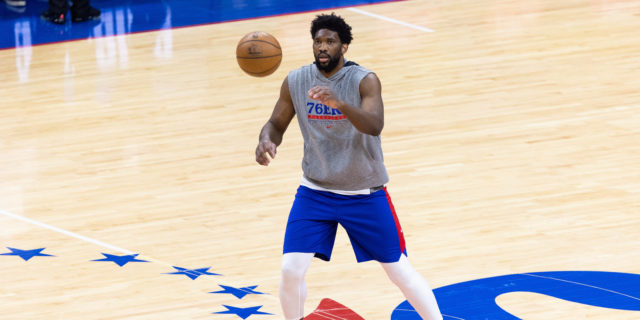 Joel Embiid still uncertain to play for 76ers with knee injury