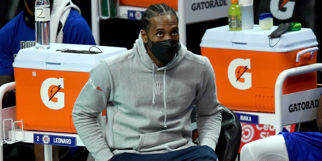 Kawhi Leonard is nowhere on court, everywhere else for Clippers