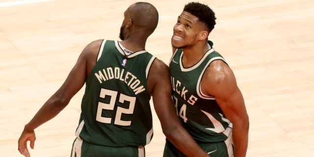 Antetokounmpo gladly cedes closer role to Middleton in playoffs