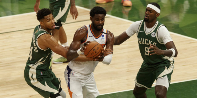 NBA Finals notebook: Ayton's fouls, Crowder's experience, rest days