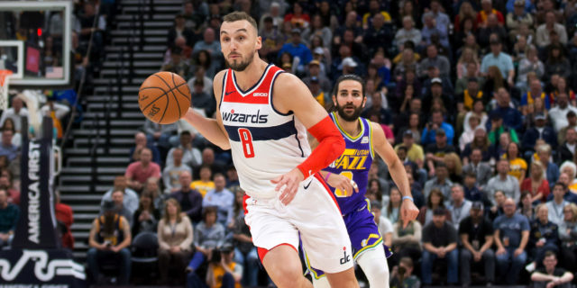 Raptors agree to two-year contract with Sam Dekker