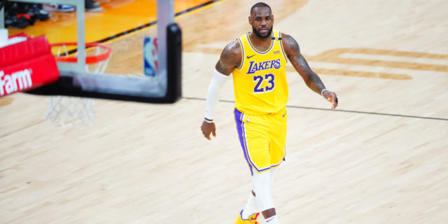 Report: LeBron James organizing Lakers team minicamp in Vegas