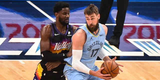 2022 NBA Free-Agent Rankings: Ayton, Valanciunas among top-10 centers