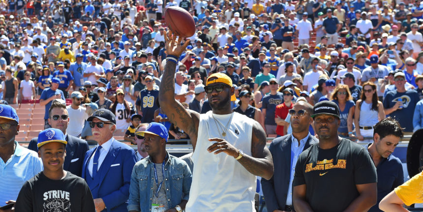 LeBron reveals 2 NFL teams offered him a contract during 2011 lockout