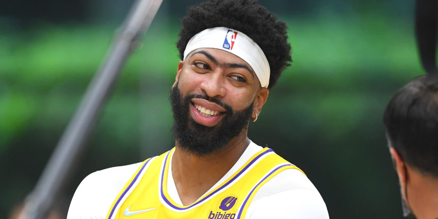 Anthony Davis expects to play center this season