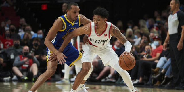 Lakers claim guard Avery Bradley off waivers