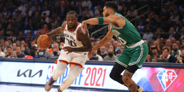 Knicks continue to make headlines for the right reasons — wins