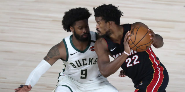 Jimmy Butler exits game vs Pelicans with ankle stiffness
