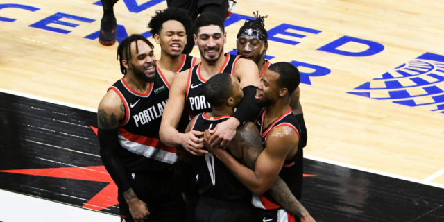 Damian Lillard drops 44 points, hits game-winner vs. Bulls
