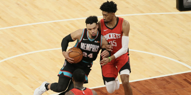 Rockets' Christian Wood injures ankle, will undergo MRI
