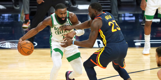 Jaylen Brown to miss second straight game with knee soreness