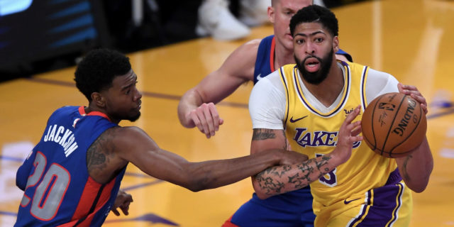 Lakers upgrade Anthony Davis (Achilles) to 'questionable' Wednesday night