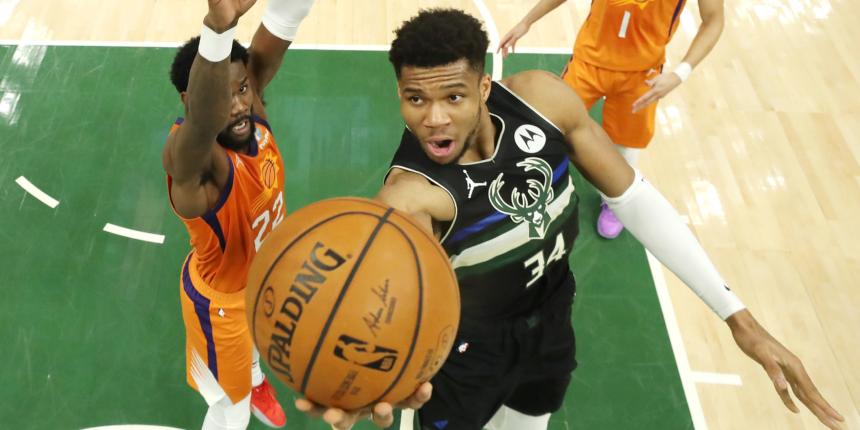 Enough 'no bag' talk: Giannis Antetokounmpo put the NBA on notice