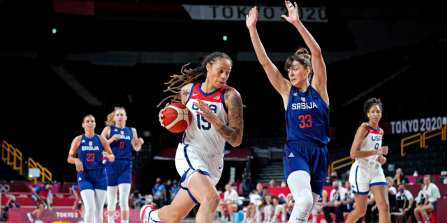 Griner leads U.S. women's national team to gold-medal game with win vs. Serbia