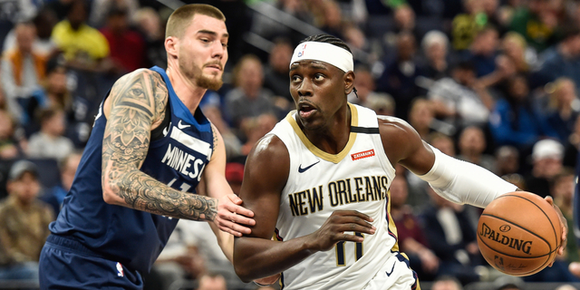 Bucks acquire Jrue Holiday from Pelicans