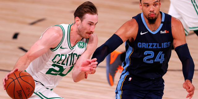 Gordon Hayward agrees to 4-year deal with Charlotte