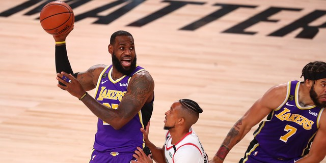 LeBron James considers leaving bubble daily